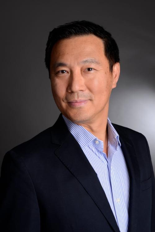Trainer Xueli Yuan